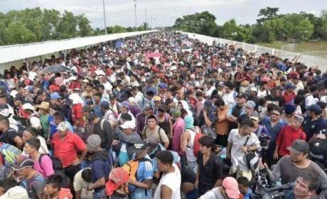 七千多洪都拉斯难民赴美:特朗普和共和党的重大利好