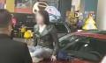 女硕士坐在车盖上哭,中国社会为何缺乏契约精神?