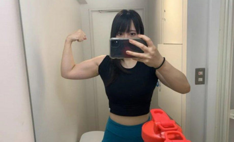 11月新人推荐 肌肉美少女ちゃんよた很强壮