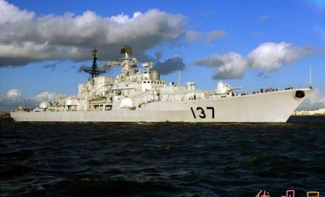 现代级福州舰升级 详细数据忆当年导弹亚音速高炮靠手摇